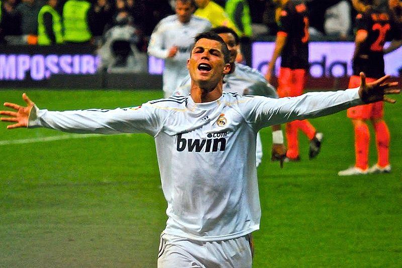 Cristiano Ronaldo im Adidas Real Madrid Trikot