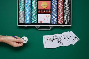 Pokerkoffer Poker Karten Chips