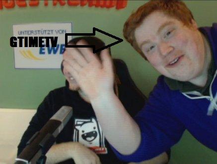 GTimeTV aka Kevin winkt in die Kamera