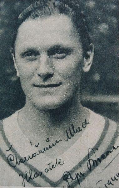 Josef Bican Portrait Schwarz-Weiß-Aufnahme