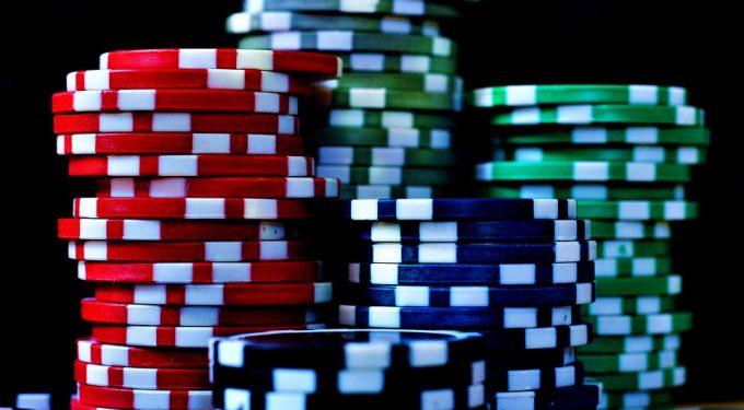 Poker Chips gestapelt