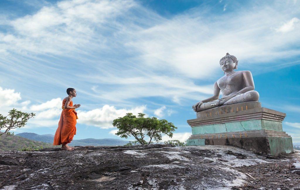 Buddhistischer Mönch Buddha Statue