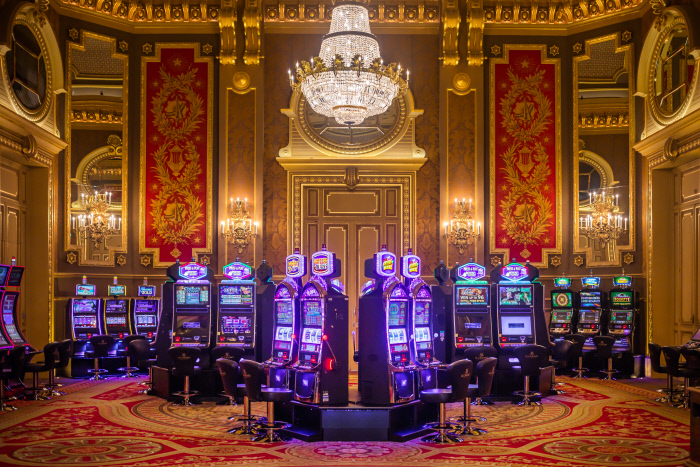 Casino de Monte-Carlo: Spielsaal alle des Amériques mit Spielautomaten