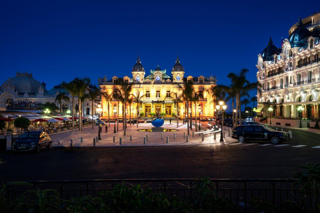 Monaco Casino: Place du Casino bei Nacht