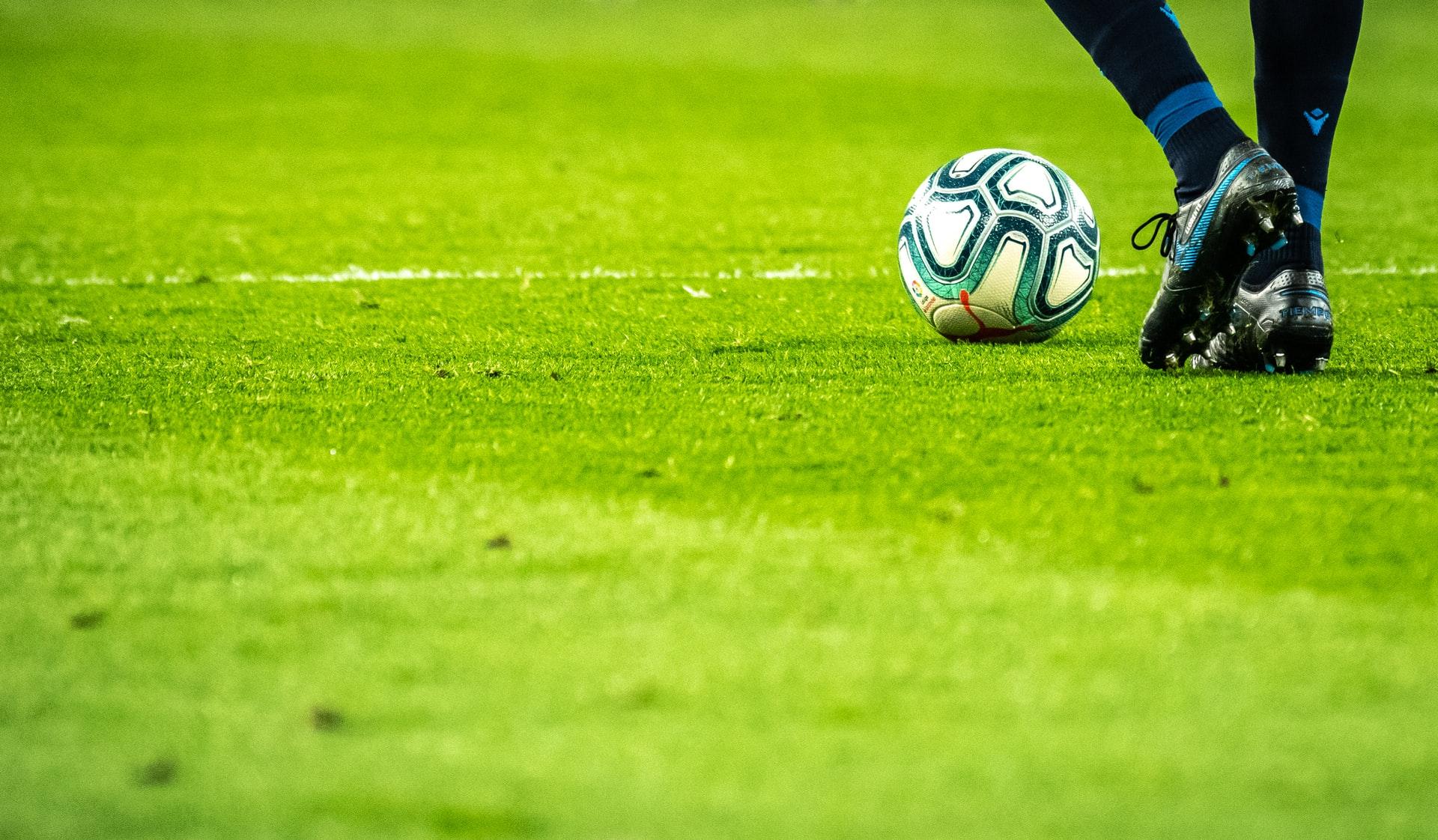 Pressing im Fußball: Gelingt die Taktik, schaltet die Mannschaft um und sucht die Torchance