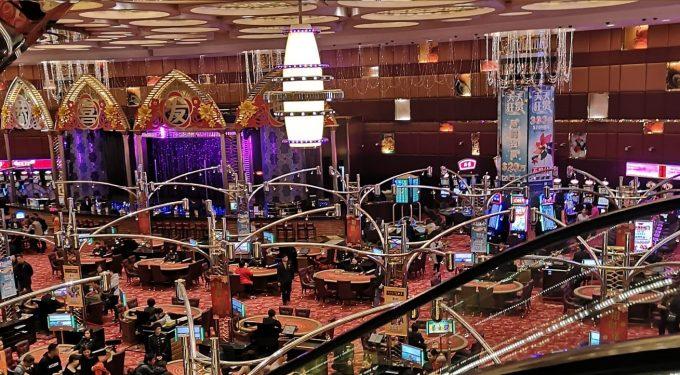 Casino Spielsaal Spieltische