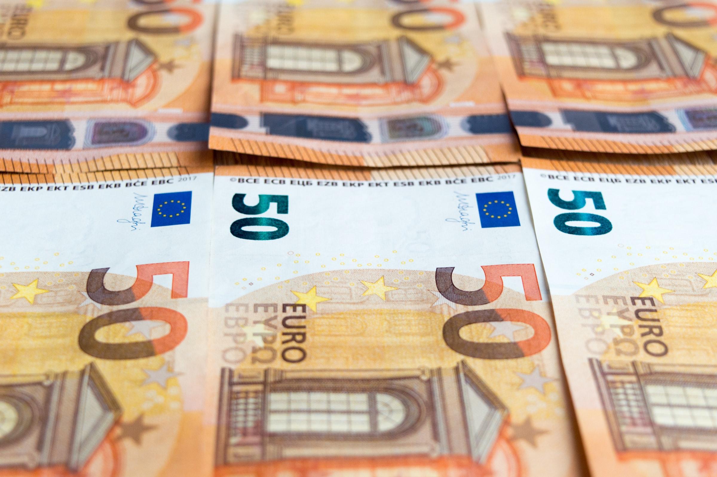Organisierte Verbrecher können bei der Geldwäsche im Online Casino eine große Summe in kleine Beträge aufteilen
