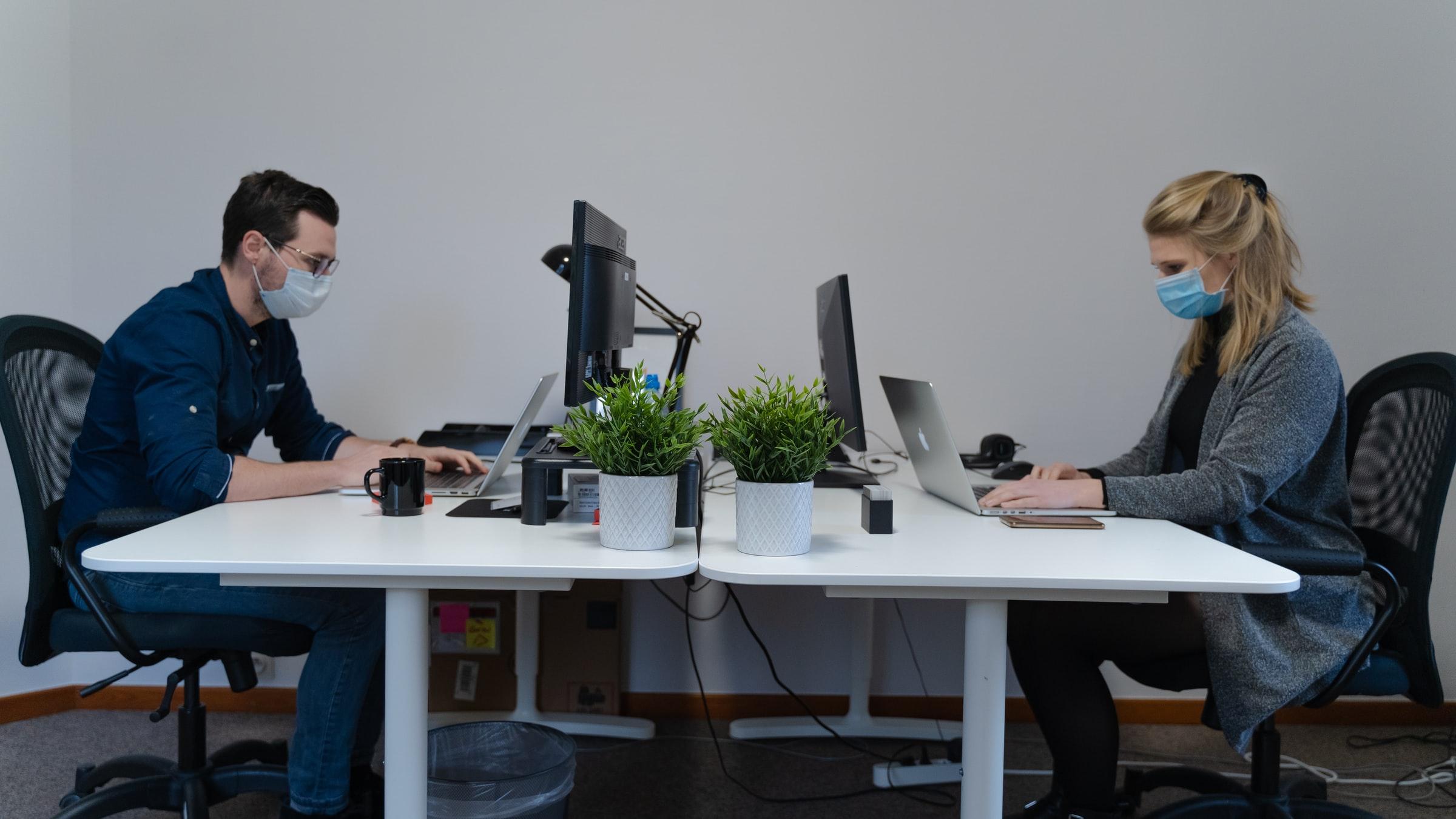 Adieu Büro: Mit unseren Remote Work Tipps läuft es im Homeoffice besser als in der Präsenzarbeit!