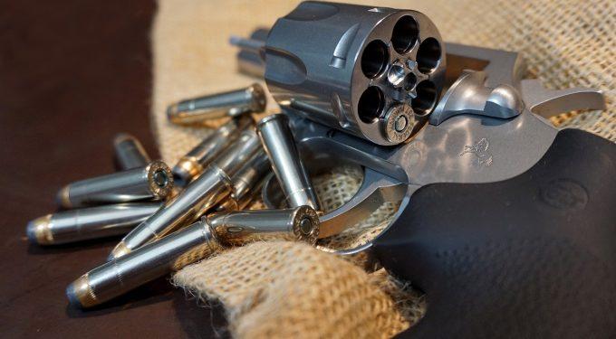 Revolver Munition Patronen Kugeln Waffe