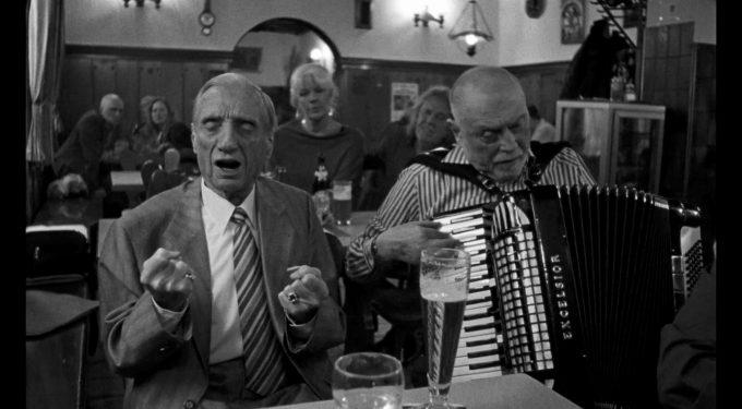 """Der Film """"Aufzeichnungen aus der Unterwelt"""" zeigt das verruchte Milieu mit illegalem Glücksspiel im Wien der 1960er Jahre (Quelle: Vento Film)."""
