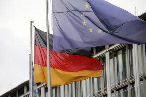 EU und Deutschland Flagge