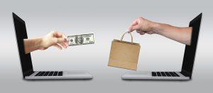 Das Bild zeigt einen Onlinekauf.
