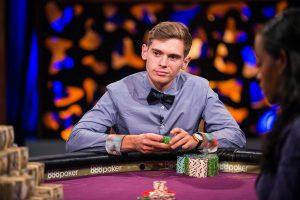 Fedor Holz am Pokertisch