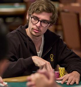 Fedor Holz beim Pokerspielen