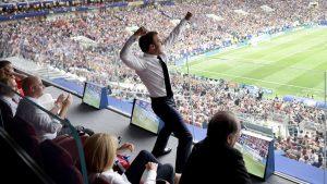 Emmanuel Macron jubelt
