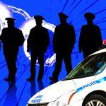 Sieben New Yorker Polizisten wegen illegalen Glücksspiels und Zuhälterei  verhaftet