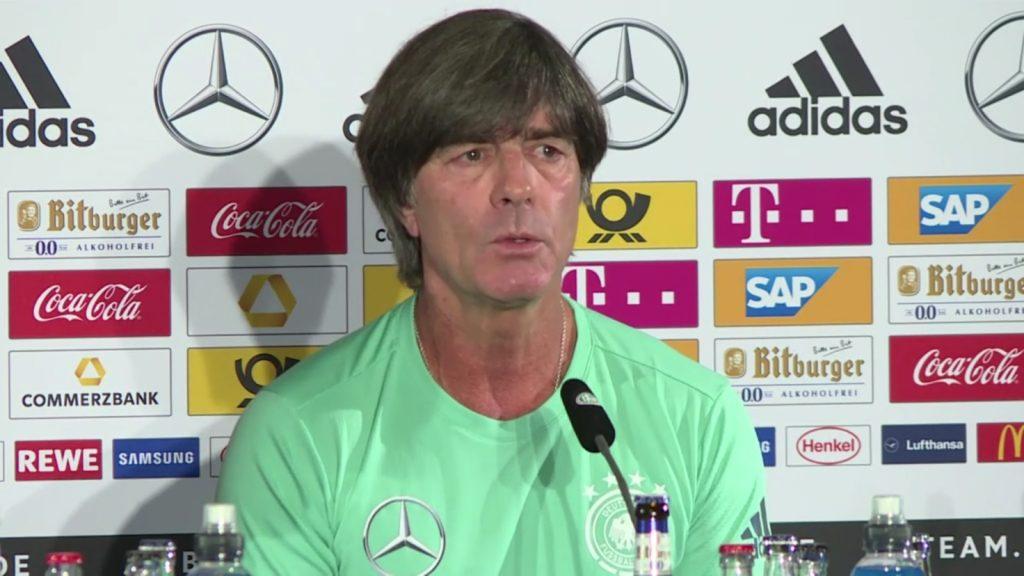 Bundestrainer Joachim Löw bei Pressekonferenz am Mittwoch