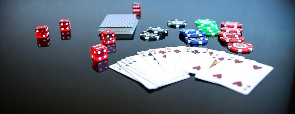 Spielkarten, WÜrfel, Roulette, Casinospiele