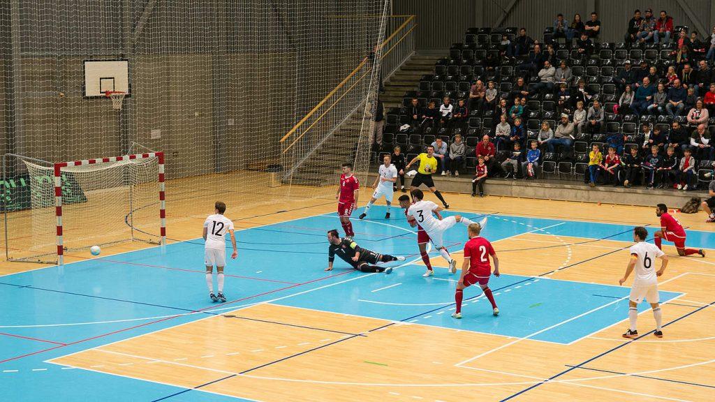 Dänische Futsal Spieler sollen in der Fußballnationalmannschaft einspringen