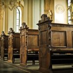 Priester betrog Gemeinde um 120.000 Euro für Glücksspiel und wurde selbst zum Betrugsopfer
