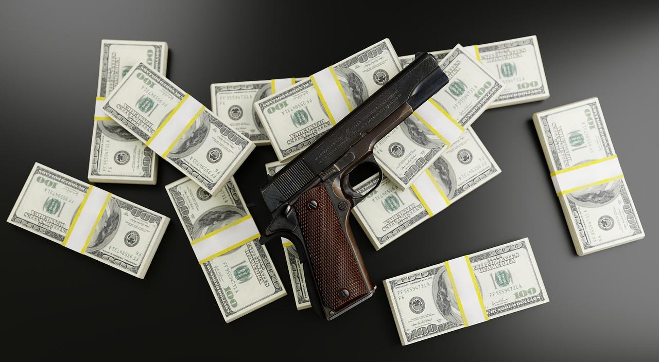 Geld, Pistole