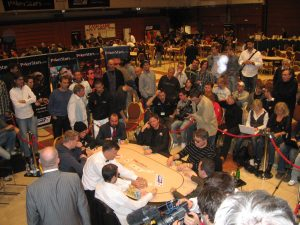 Pokerspieler, Spieltische