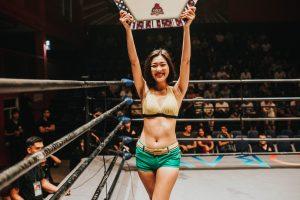 Nummerngirl im Boxring