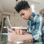 DAK-Gesundheitsstudie: Jeder Sechste minderjährige Gamer ist suchtgefährdet