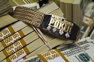 WSOP-Bracelet auf Geld