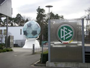 Eingangsbereich der DFB-Verwaltung in Frankfurt