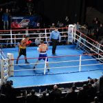 Pokerspieler Antonio Esfandiari gewinnt Boxkampf gegen Comedian Kevin Hart