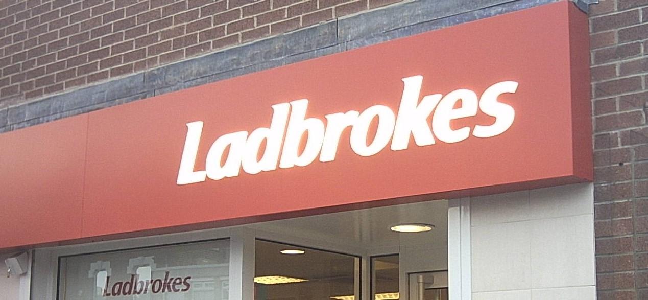 Ladbrokes Schild