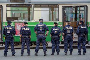 Polizei auf Straße