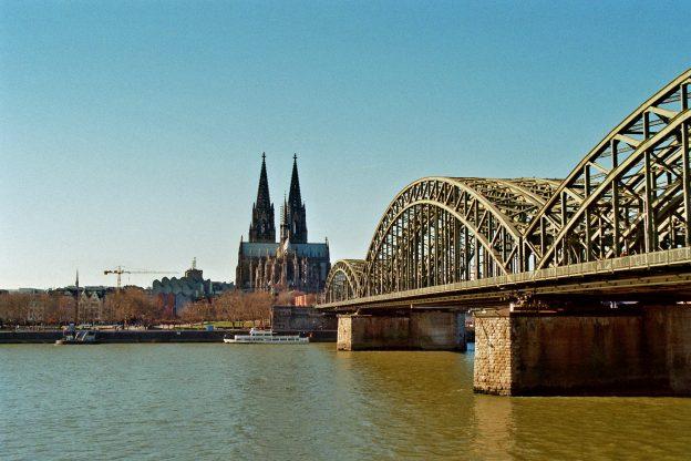 Deutzer Brücke Köln, Kölner Dom