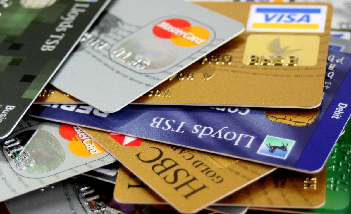 Kreditkarten übereinander