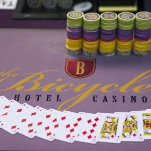 Ein Pokertisch des Bicycle Casinos