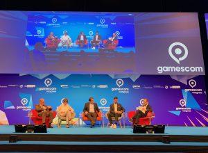Gerald Böse (CEO Koelnmesse), Henriette Reker (OB Stadt Köln), Nathanael Liminski (Staatssekretär Medien), Felix Falk (CEO Game-Verband) und Moderator Max v. Malotki (vlnr).