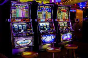 Geldspielautomaten, Spielhalle, Spielautomat