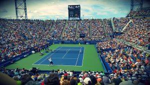Ein Tennisstadion bei Tag