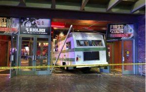 Wohnmobil krachte in Casinofront