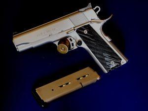 Schusswaffe Typ .45 ACP