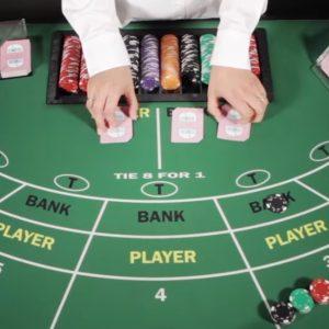 Baccarat Tisch, Dealer, Karten, Hände