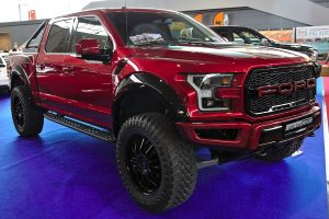 roter Ford F-150)