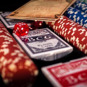Spielkarten, Würfel, Jetons