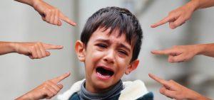 Kind, Weinen, Hände