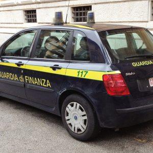 Auto der Guardia di Finanza