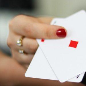 Spielkarten, Frauenhand