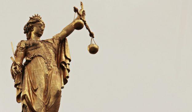 Statue, Justizia
