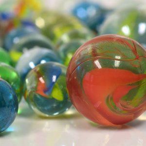 Murmeln, bunte Glaskugeln