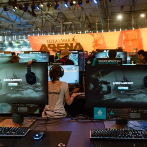 Computer bei einem E-Sport-Event
